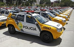 duster-Policia-car