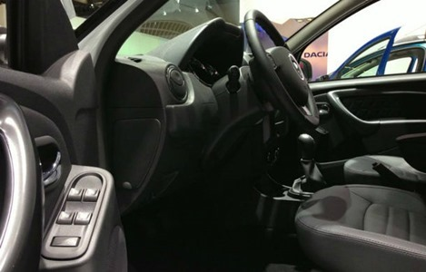 Duster-facelift-interior-Frankfurt
