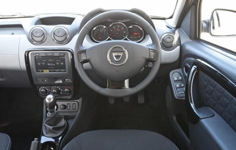 Duster-facelift-UK-interior