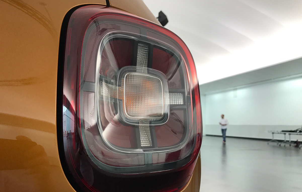 Duster 2018 back lights