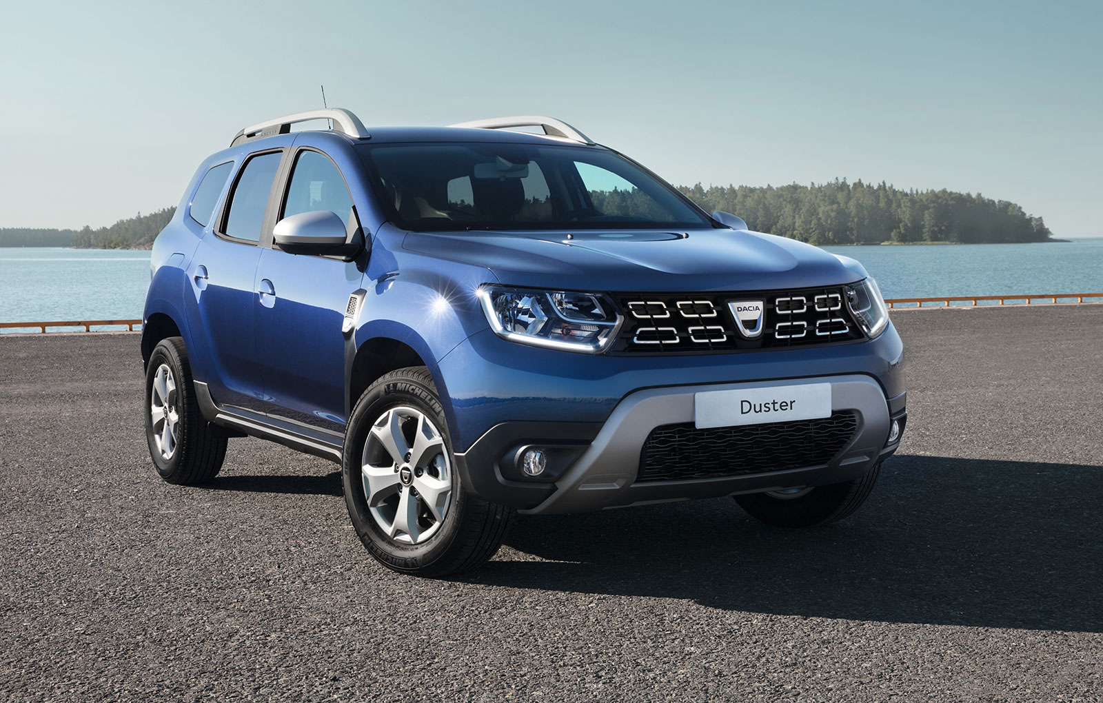 dacia launched the new duster 2018 dacia duster. Black Bedroom Furniture Sets. Home Design Ideas